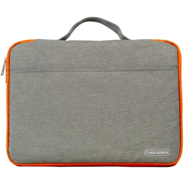 Skolekroken PC-bag som er stående mot kamera, gråmelert farve med oransje kanter